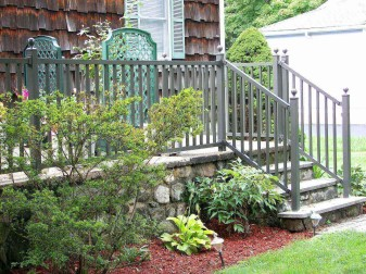 Bridgeport Square Top Aluminum Railing