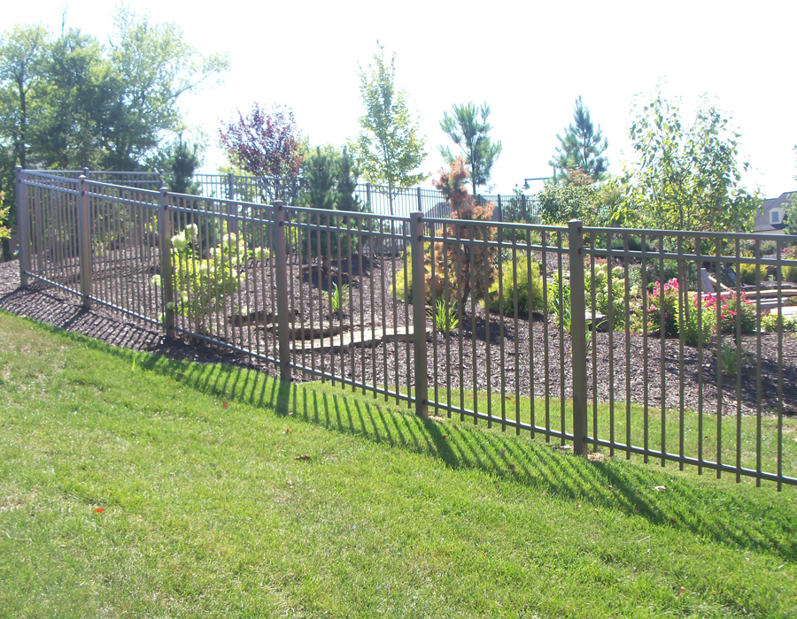 Aluminum fence supply residential fencing
