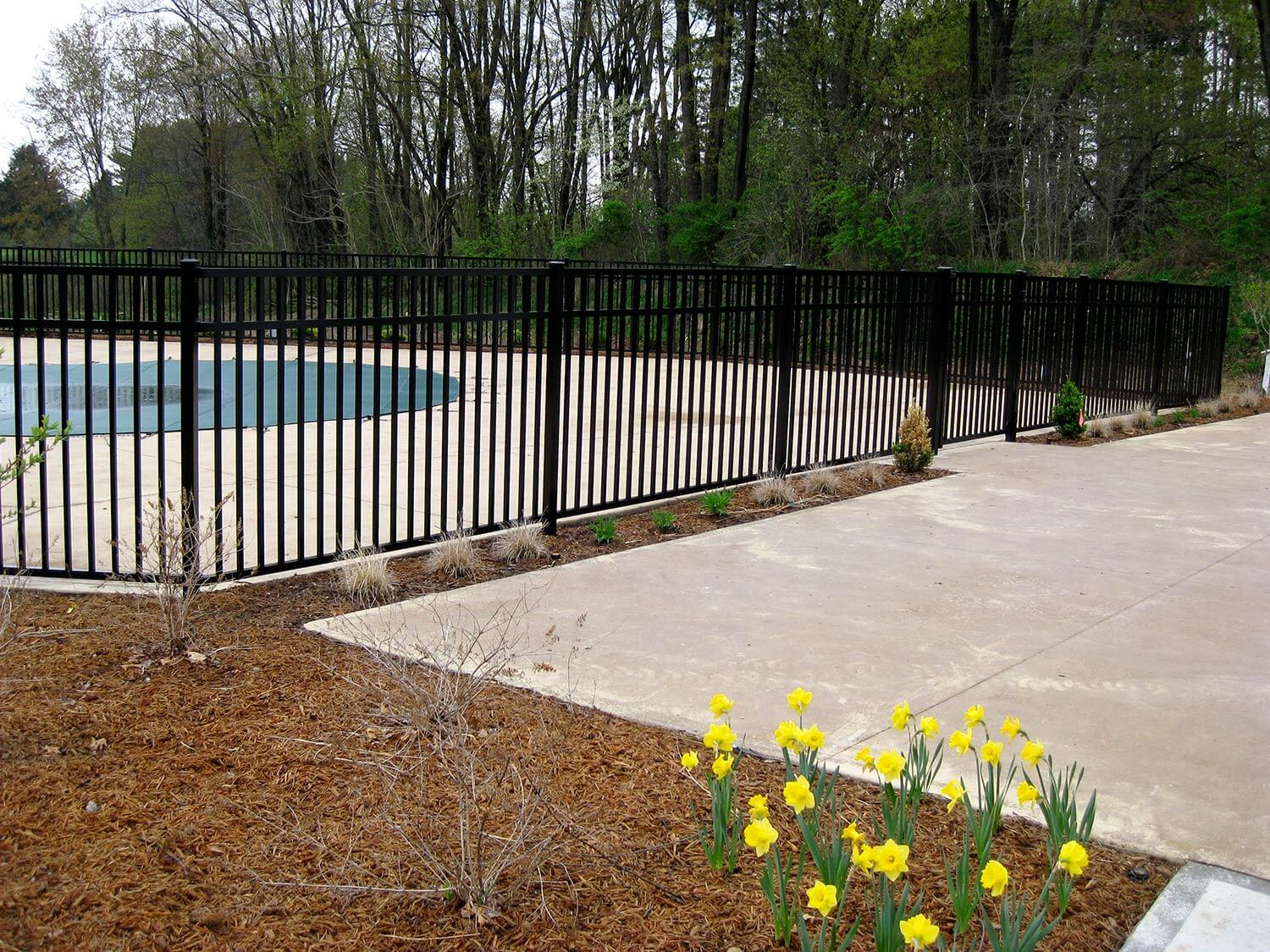 Residential aluminum fence commercial fencing