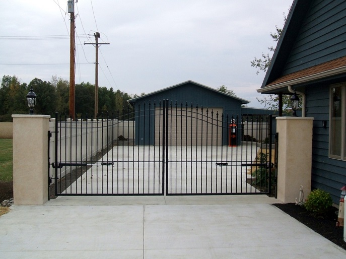 Best driveway gates for your home or business great pricing for Aluminum gates for driveways