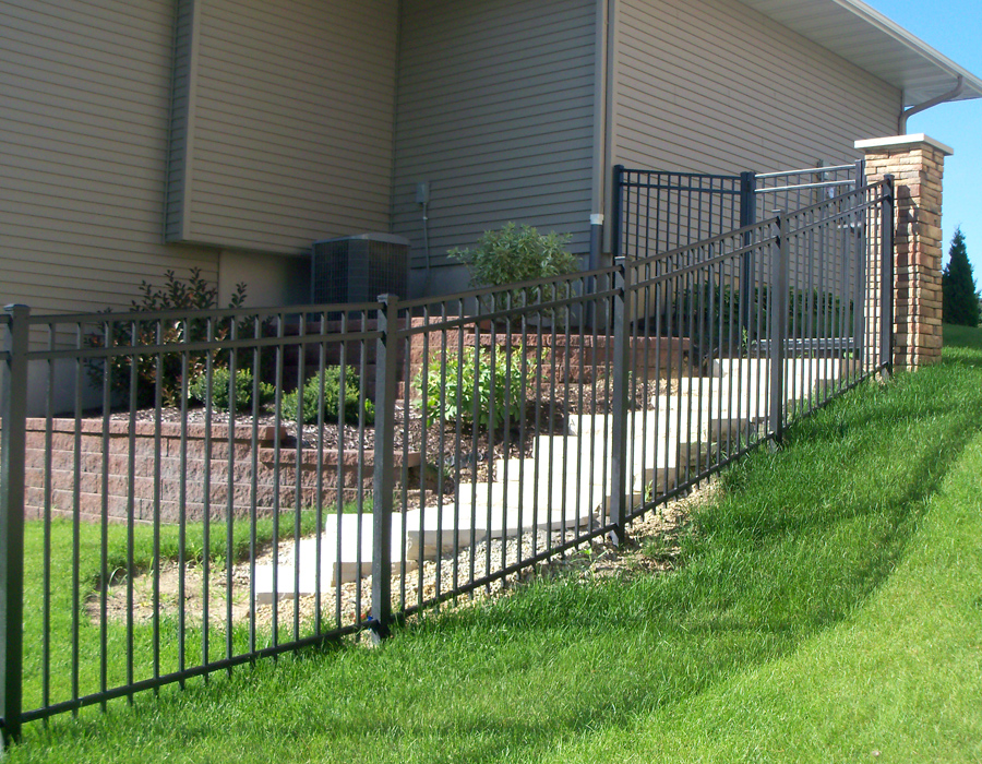 How to buy discount aluminum fence